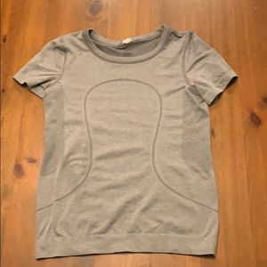 Lululemon swiftly tech short sleeve(relaxed fit)
